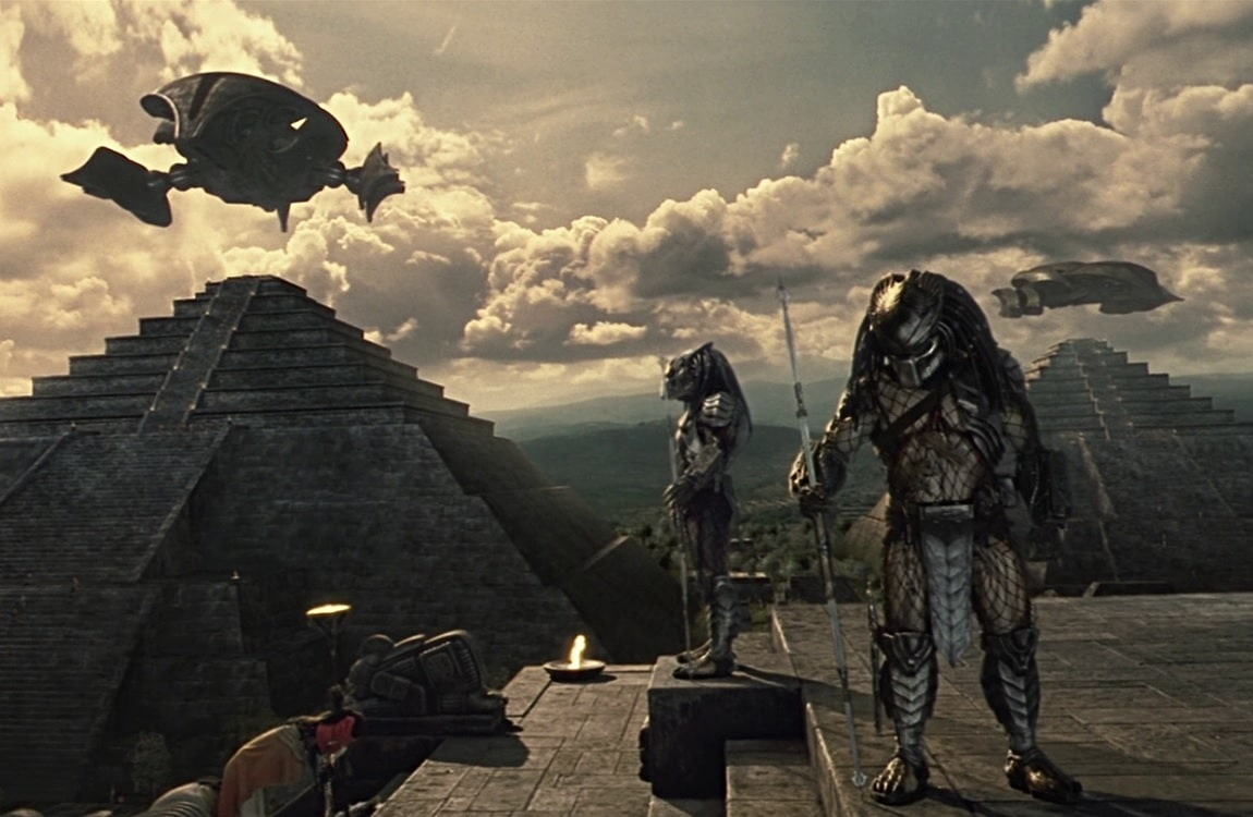The Predators and ancient pyramids from Alien vs. Predator 2004